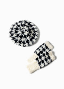 Houndstooth Eyelash Fingerless Gloves in Black