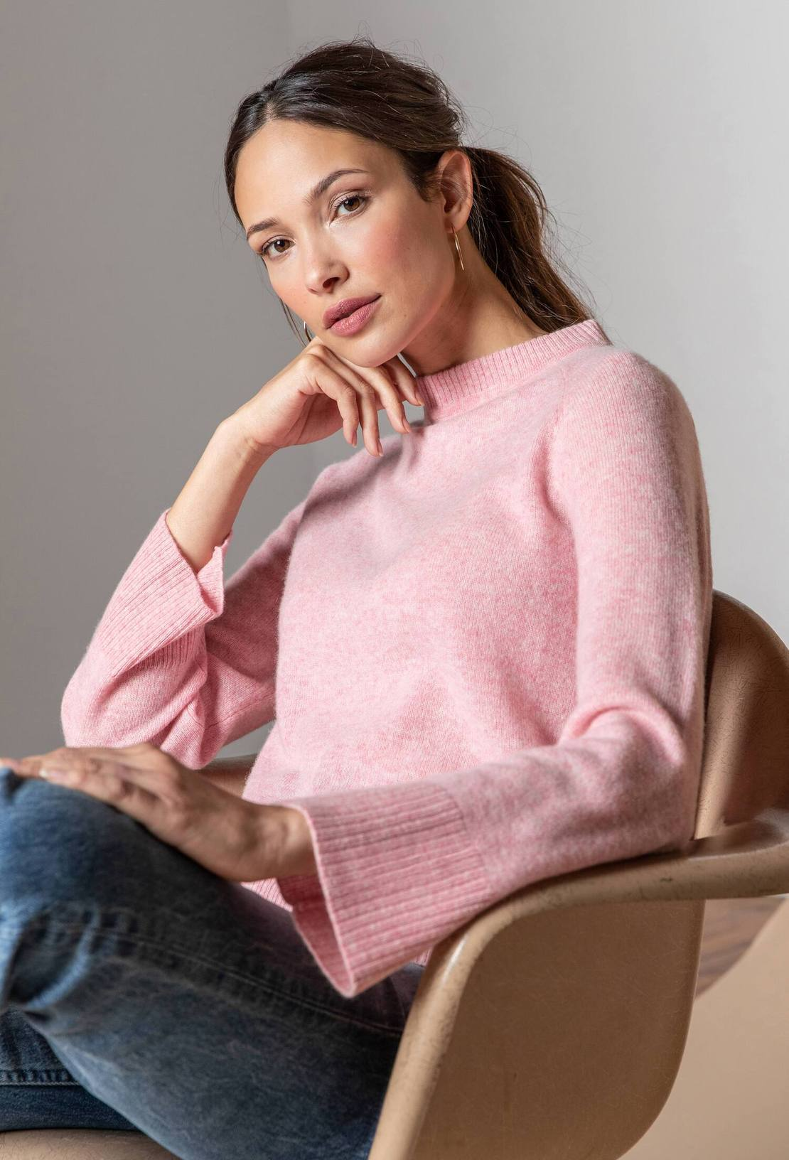 Cashmere Mock Neck Sweater in Camellia