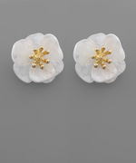 Load image into Gallery viewer, Acrylic Flower Earrings in White Shell