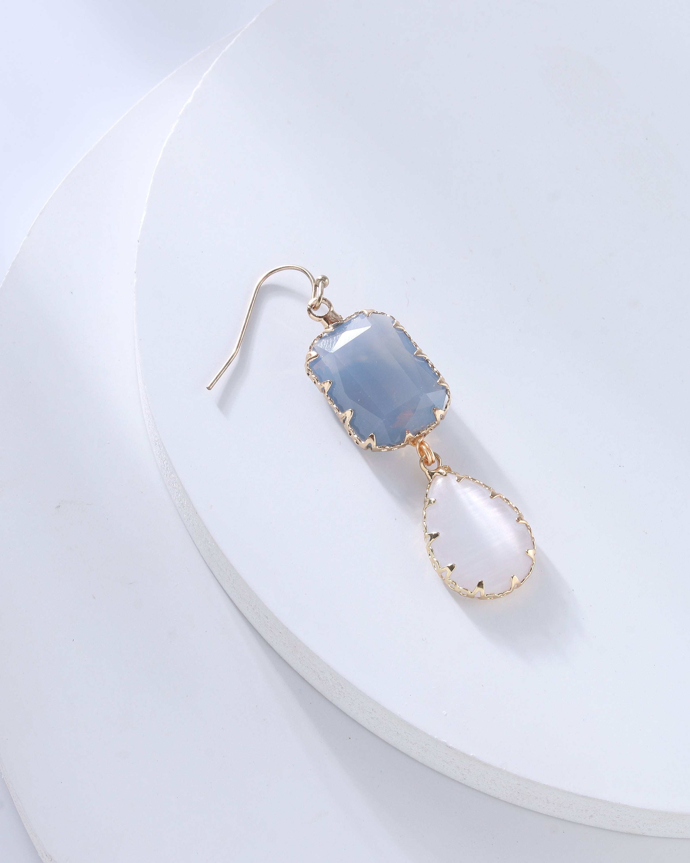 Crystal Dangle Earring in Blue/White