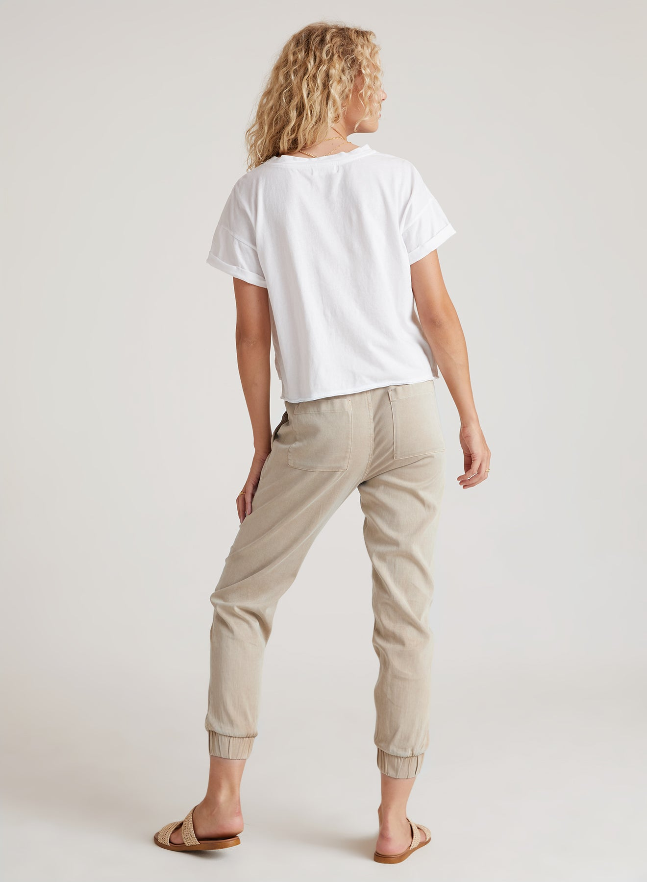 Pocket Jogger in Cement (Dark Khaki)