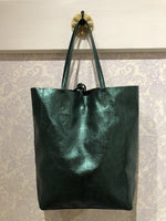 Load image into Gallery viewer, Italian Leather Metallic Tote in Emerald