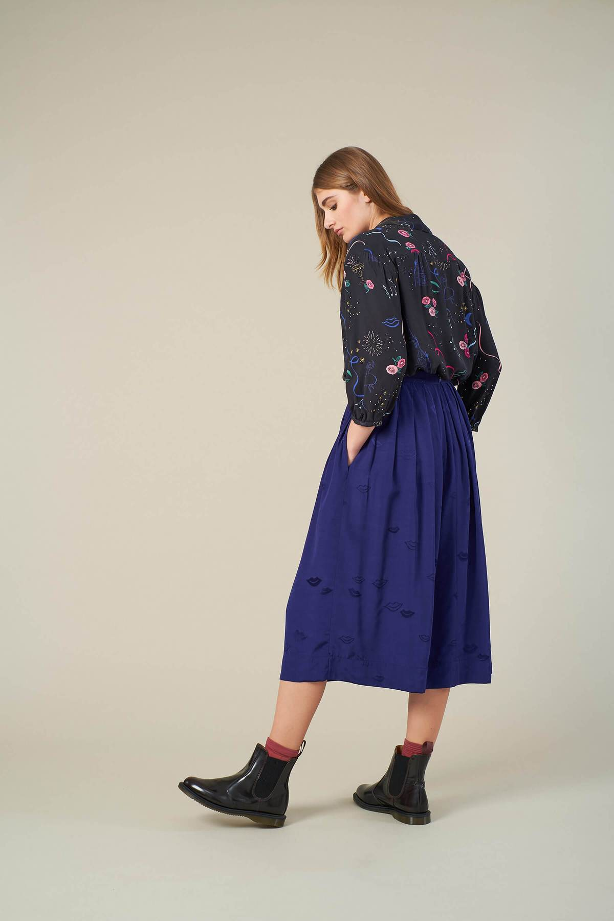 Faye Lips Jacquard Skirt in Purple