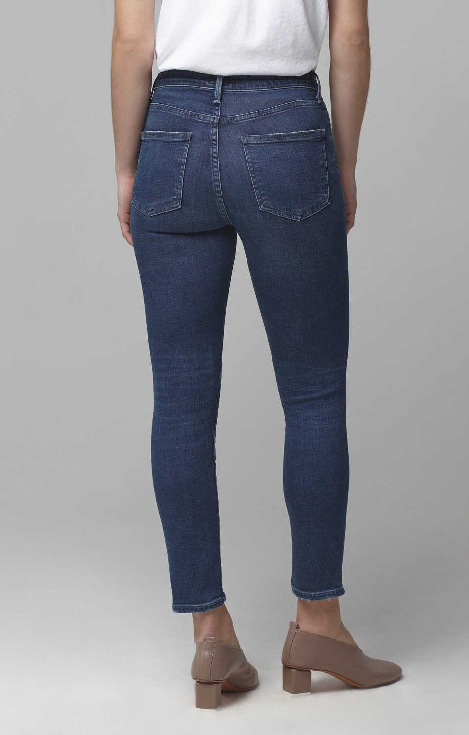 Rocket Crop Mid Rise Jean in Glory