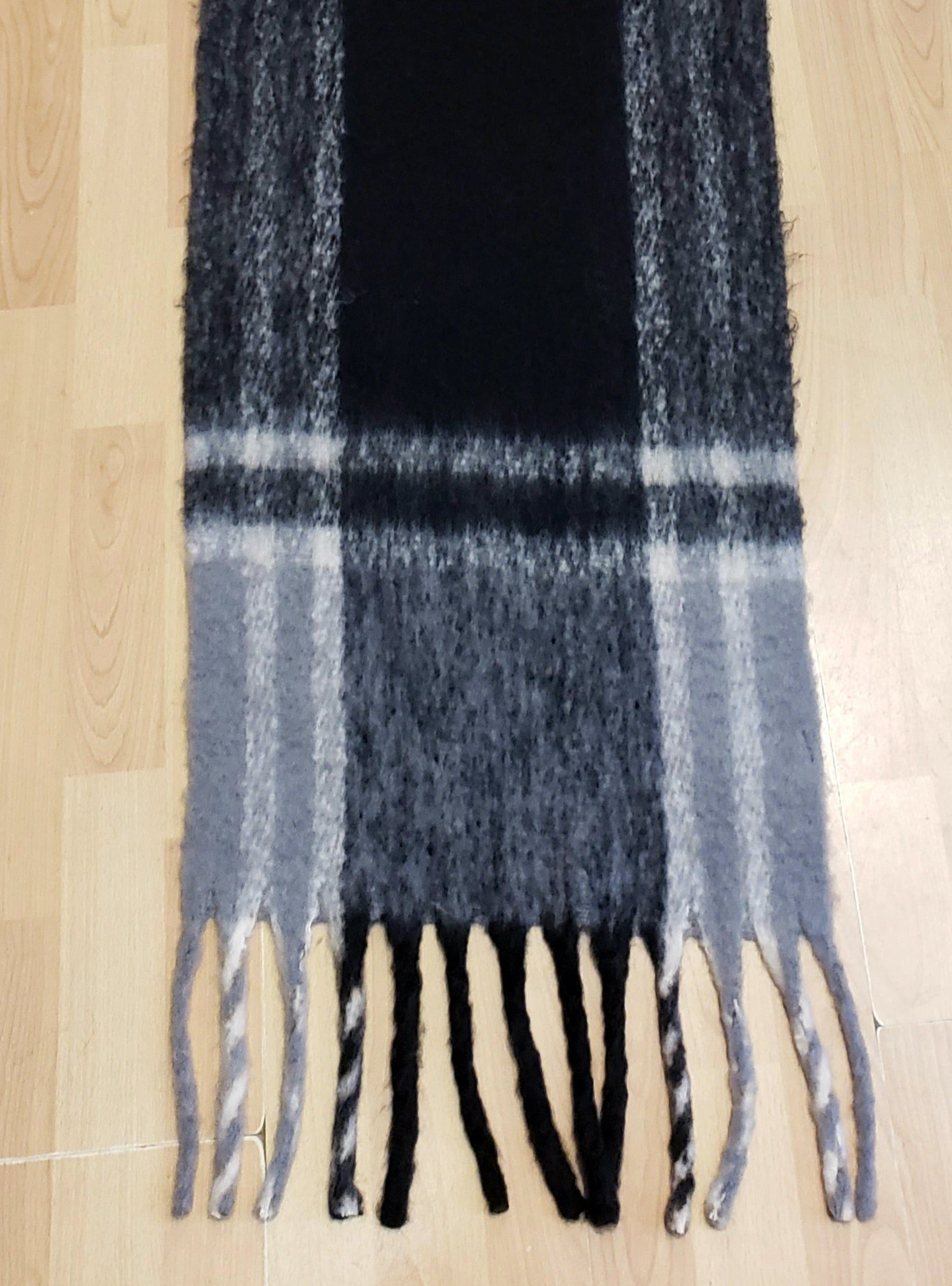 Large Plaid Scarf w/ Fringe in Black/Grey
