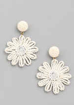Load image into Gallery viewer, Beaded Daisy Earring in White