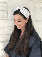 Load image into Gallery viewer, Fabric Headband in Black Zig Zag
