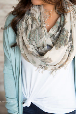 Abstract Leaf Lightweight Scarf