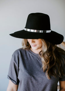 True Wonders Wide Brim Hat