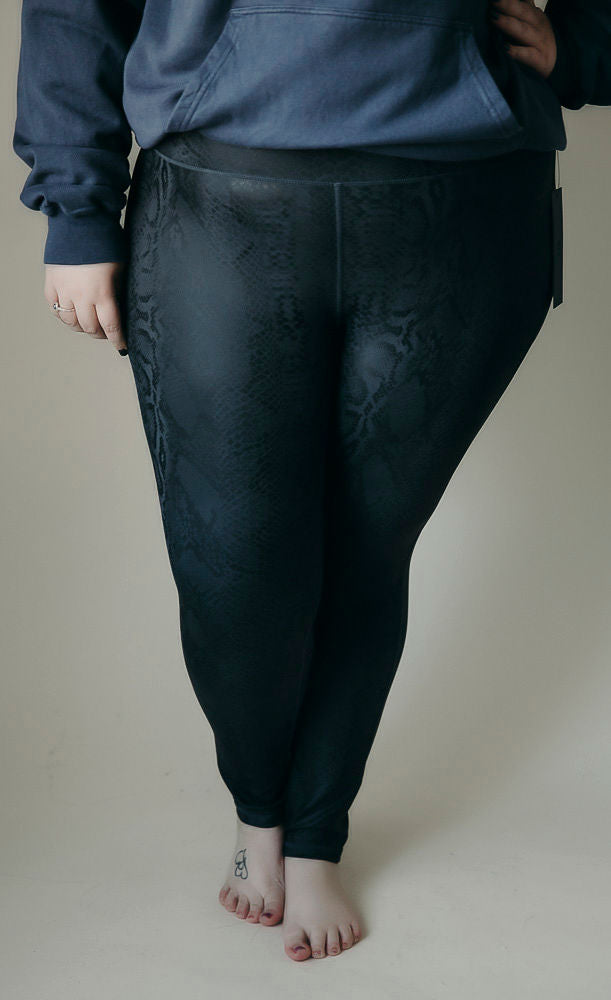 Curvy Black Mamba Snake Print Leggings