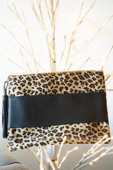 Lesly Leopard Clutch