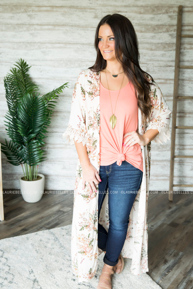 Stay Swooning Floral Kimono (Several Colors)