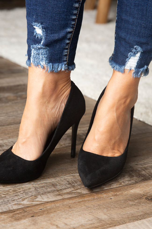 Kali Pointed Pumps