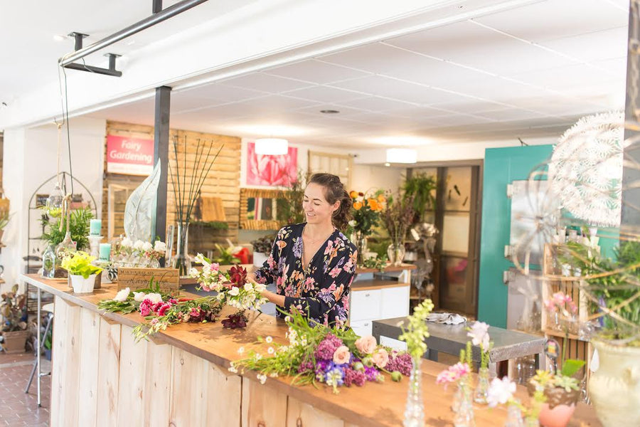 Floral Workshops, Floral Parties, and Team Building