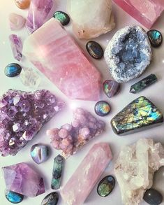 Rocky's Crystals & Minerals
