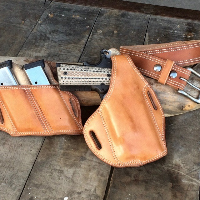 Leather Holster. Panhandle Red Leather Company, Post Falls, Idaho. USA. Custom Leather Goods Shop.  Holsters and Belt Sets for Conceal Carry. Handcrafted in the USA
