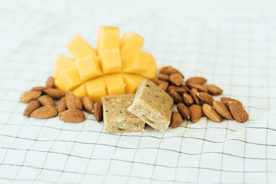 healthy snack bar fruitkies mango almond