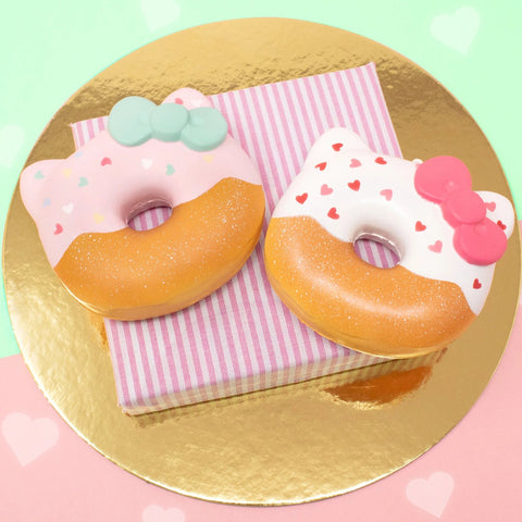 Sanrio Hello Kitty Super Soft Valentine Patterns Donut Squishy [variant.title] - Hamee.com