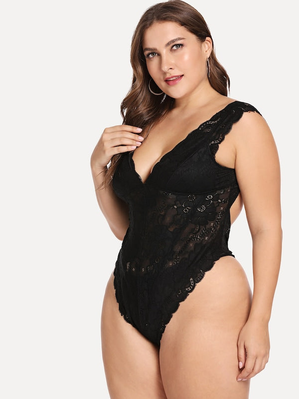 Plus Size Scalloped Trim Cut-Out Floral Lace Teddy Bodysuit