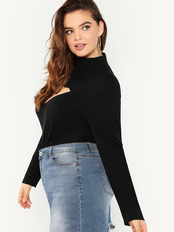 Plus Size Mock Neck Solid Tee