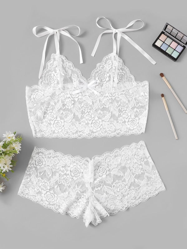 Plus Size Scalloped Trim Floral Lace Lingerie Set