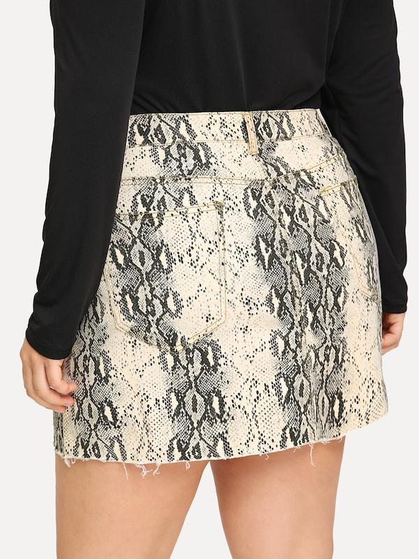 Plus Raw Hem Snake Skin Pattern Denim Skirt