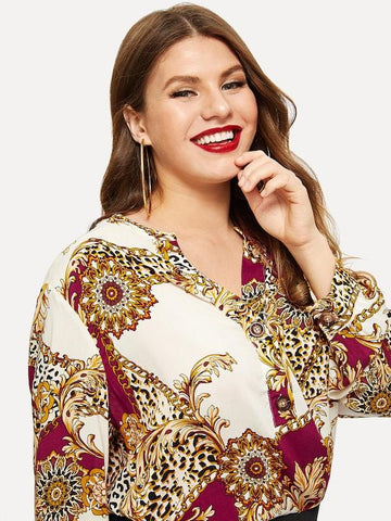 Plus Size Chain Print Buttoned Front Dip Hem Top