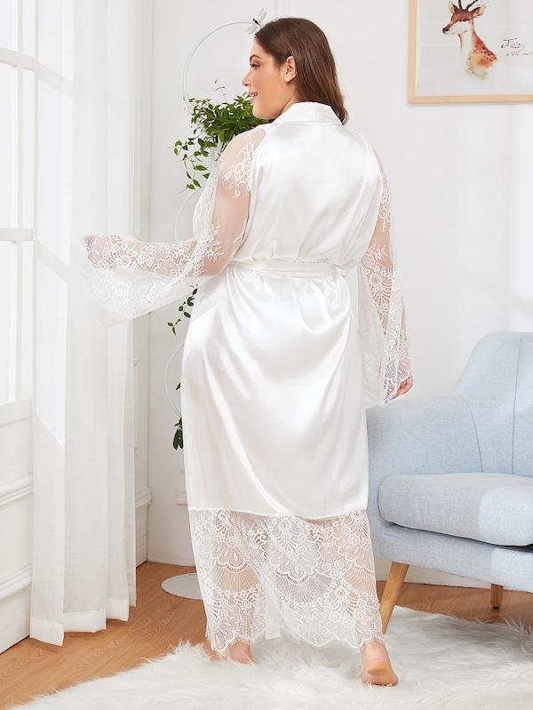 Plus Size Eyelash Lace Contrast Mesh Satin Robe