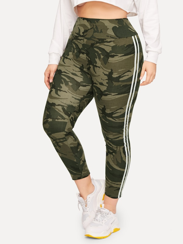 Plus Size Wide Waistband Striped Side Camo Leggings