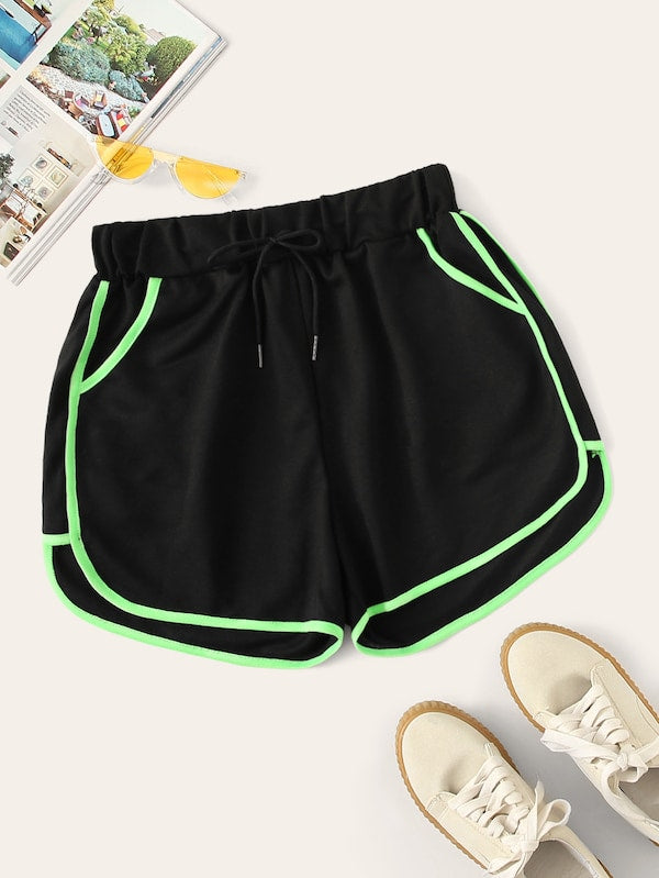 Plus Size Contrast Trim Drawstring Waist Shorts