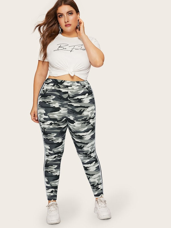 Plus Size Contrast Taped Camo Print Leggings