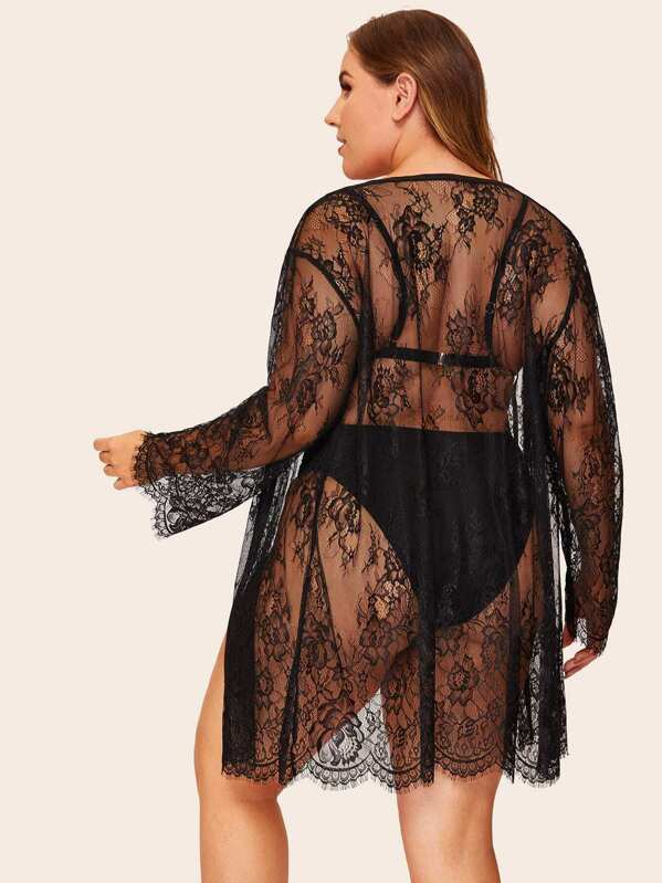Plus Size Floral Lace Scallop Trim Robe
