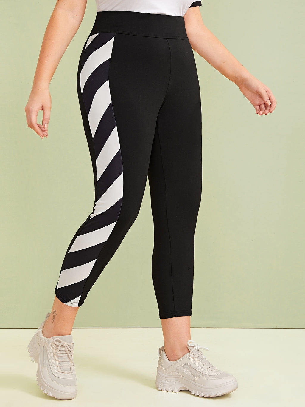 Plus Size Contrast Striped Side High Waist Leggings