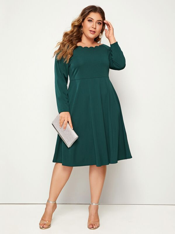 Plus Size Scallop Trim Flare Dress