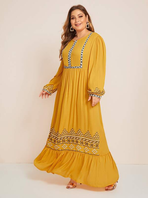 Plus Size Embroidery Ruffle Hem Lantern Sleeve Dress