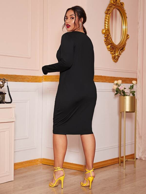 Plus Size Solid Ruched Midi Dress Without Belt