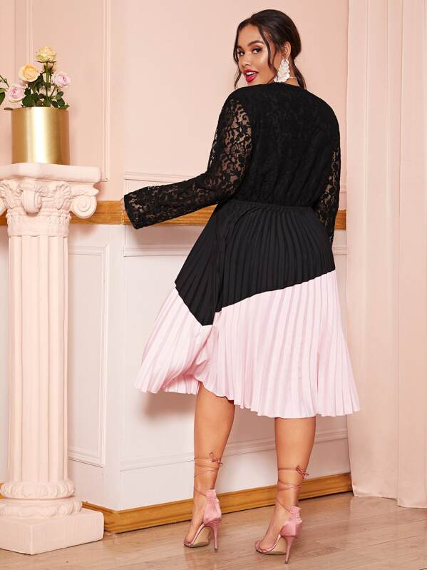 Plus Size Two Tone Guipure Lace Top Pleated Midi Dress