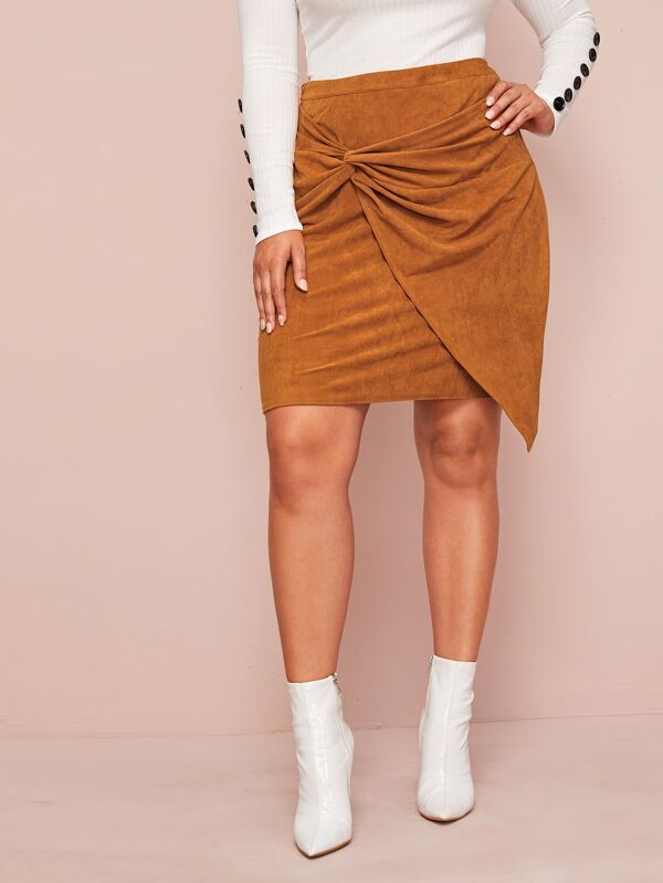 Plus Size Twist Front Asymmetrical Hem Suede Skirt