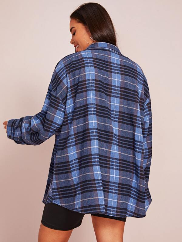 Plus Size Plaid Print Curved Hem Overshirt Top