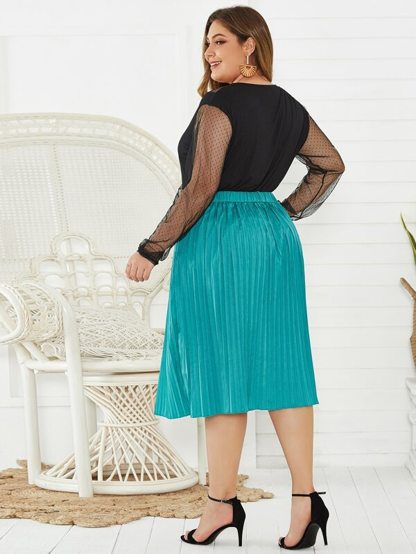 Plus Size Pleated Button Detail Satin Skirt