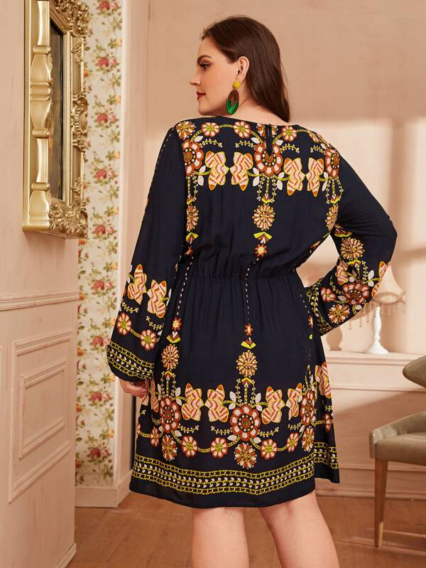 Plus Size Flower Embroidered Keyhole Back Dress