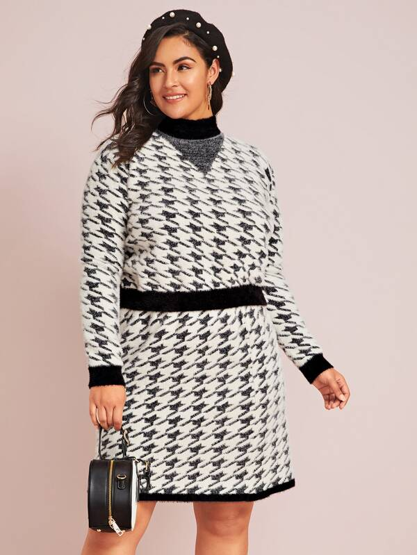 Plus Size Houndstooth Fuzzy Jumper & Skirt Set