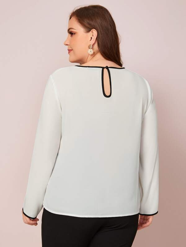 Plus Size Keyhole Back Contrast Binding Top