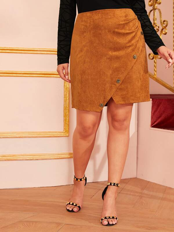 Plus Size Buttoned Asymmetrical Hem Suede Skirt