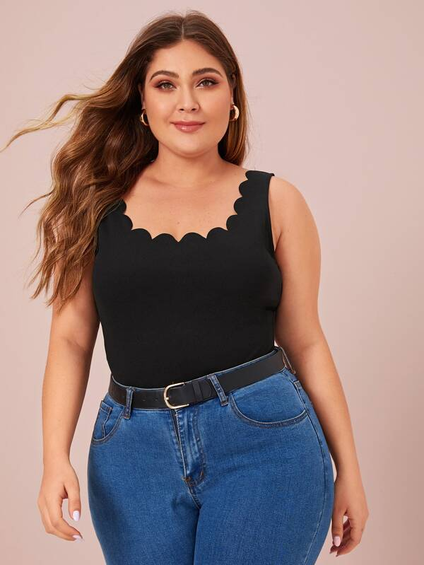 Plus Size Scalloped Scoop Neck Tank Top