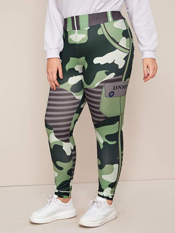 Plus Size Letter Graphic Camo Legging