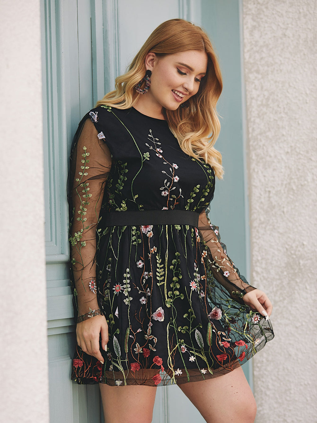 Plus Size Detailed Floral Embroidered A-line Dress