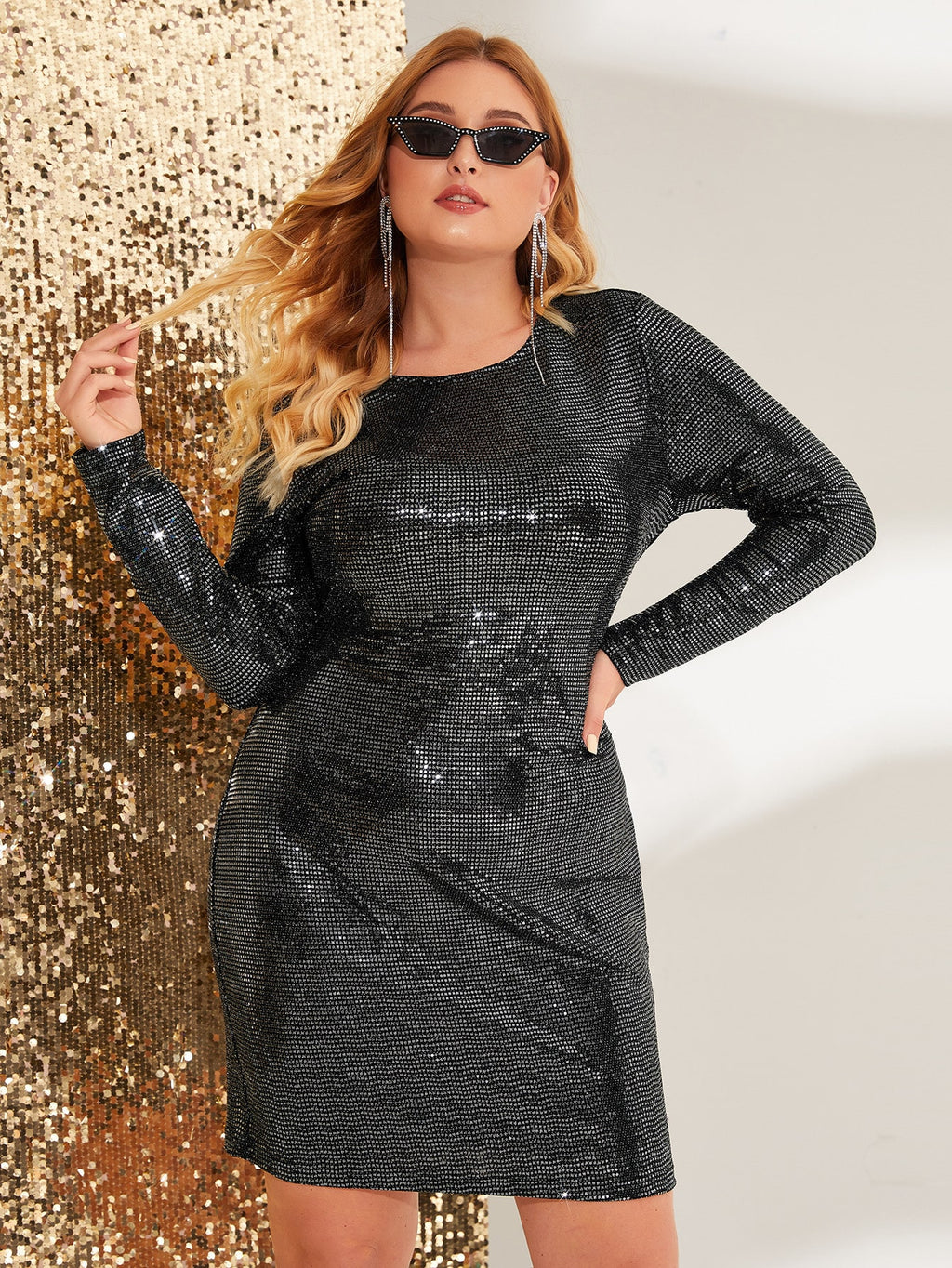 Plus Size Glam Sequin Cut-out Back Bodycon Dress
