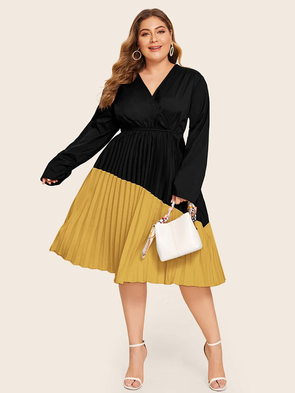 Plus Size Contrast Panel Pleated A-line Dress