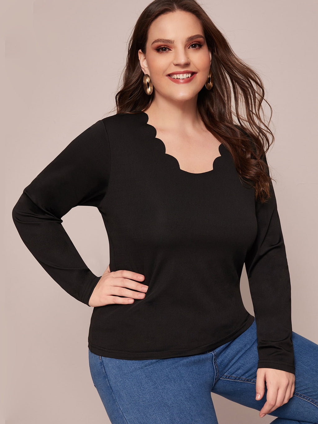 Plus Size Casual Solid Scallop Trim Top